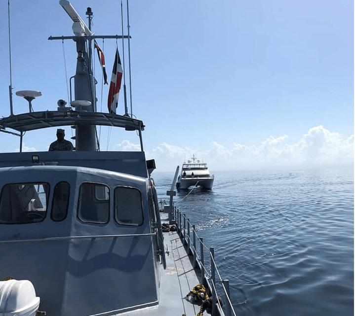 Autoridades dominicanas buscan a 10 personas que naufragaron hace una semana