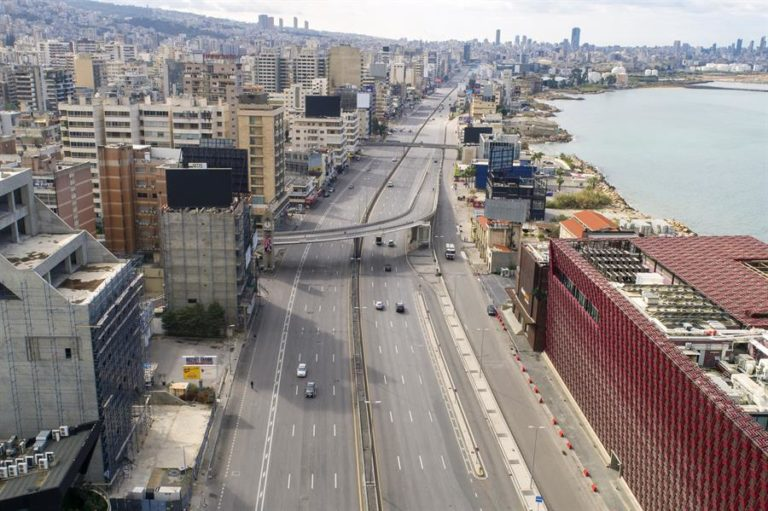 Detectan en Líbano nueva variante de la covid-19 en vuelo procedente de Londres